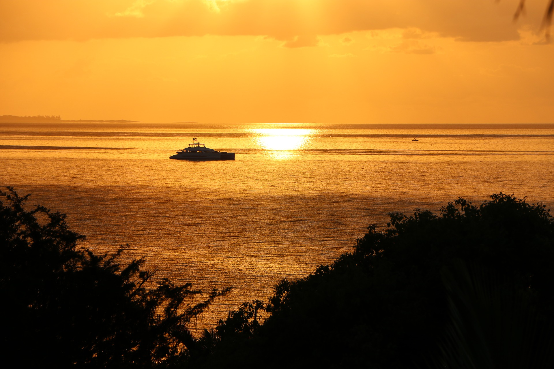 mozambique-sunrise-1742495_1920