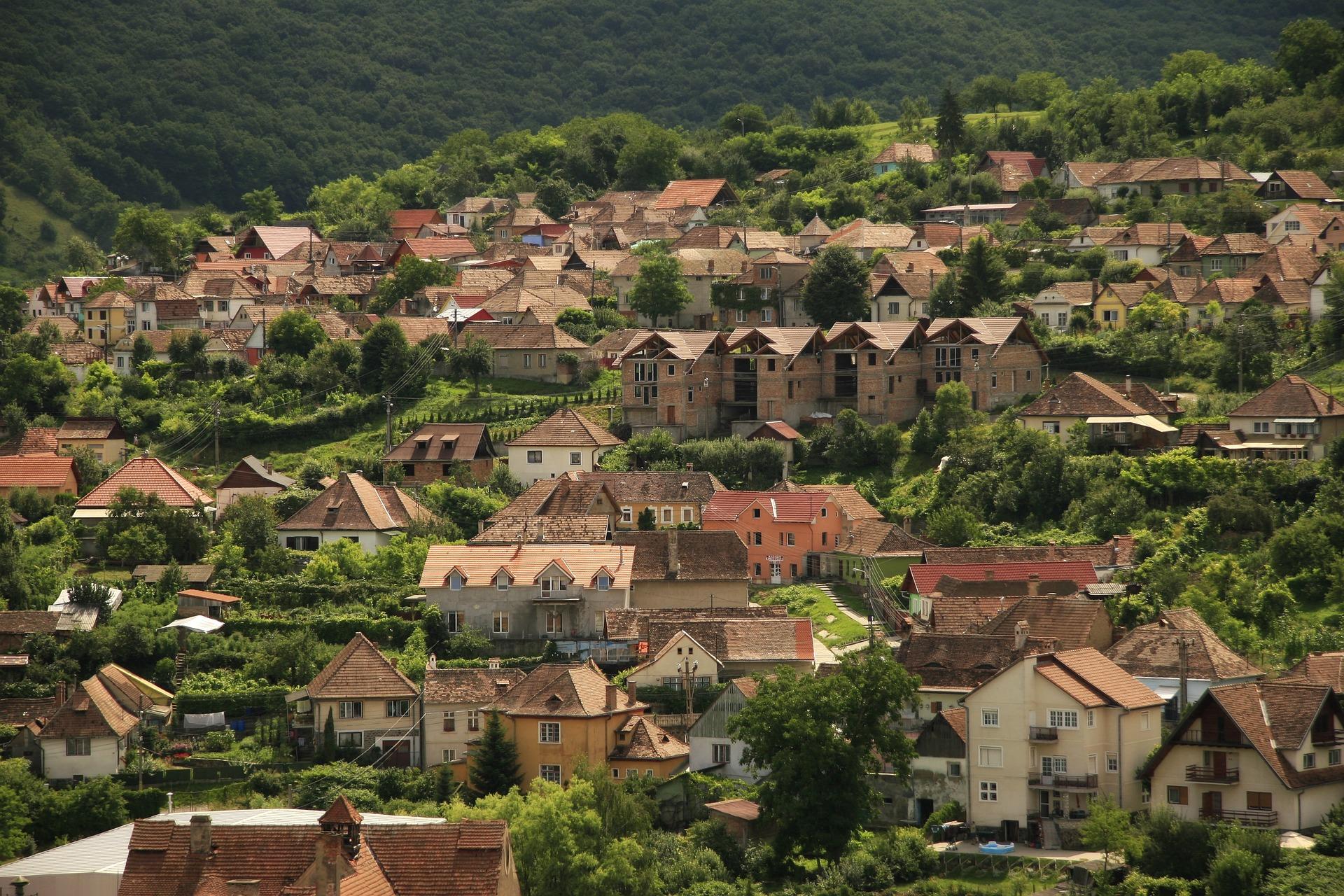 village-828810_1920