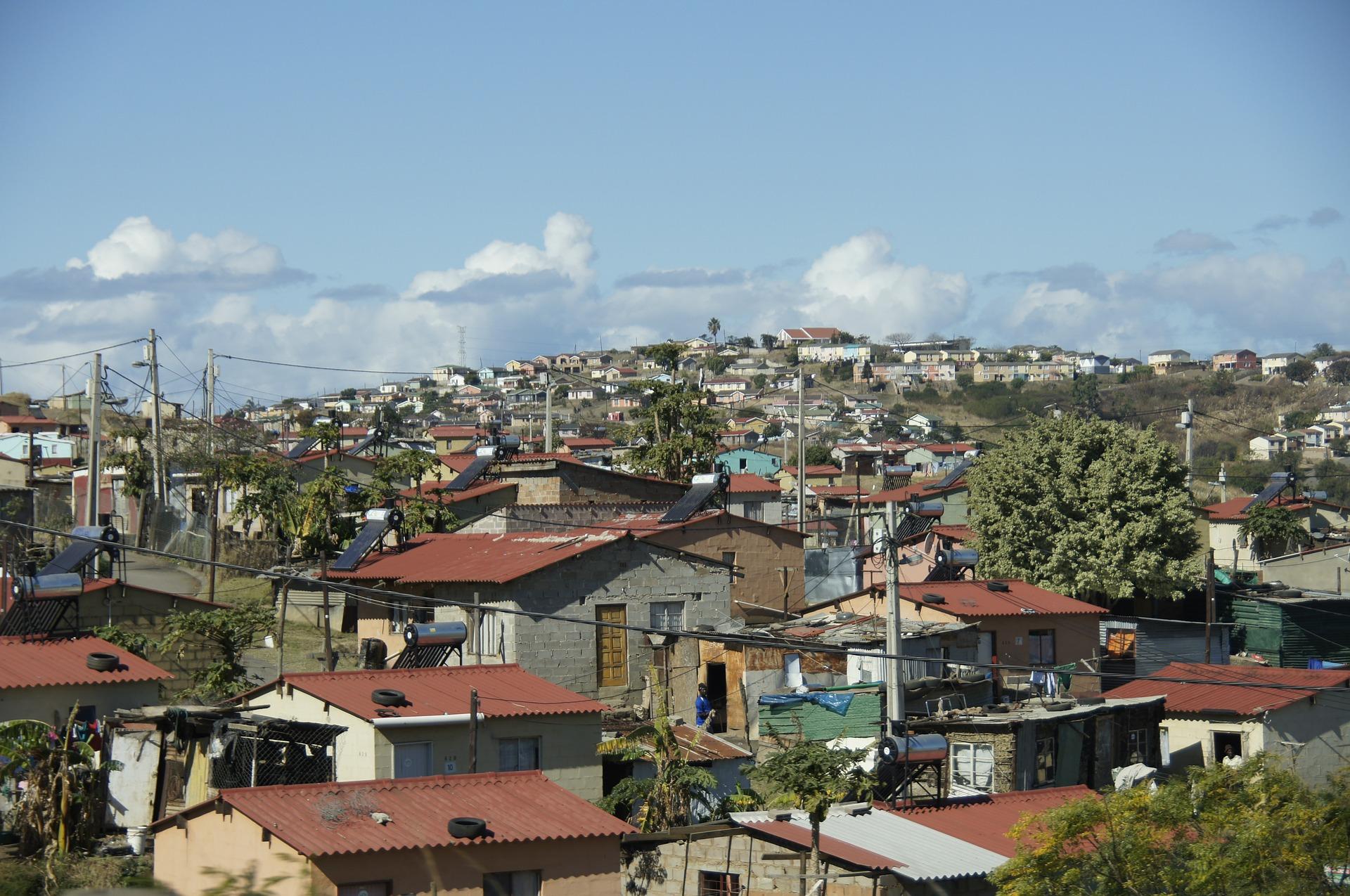 slum-509410_1920